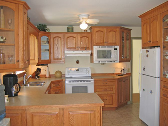 kitchen colors honey oak cabinets - Google Search | kitchen ...