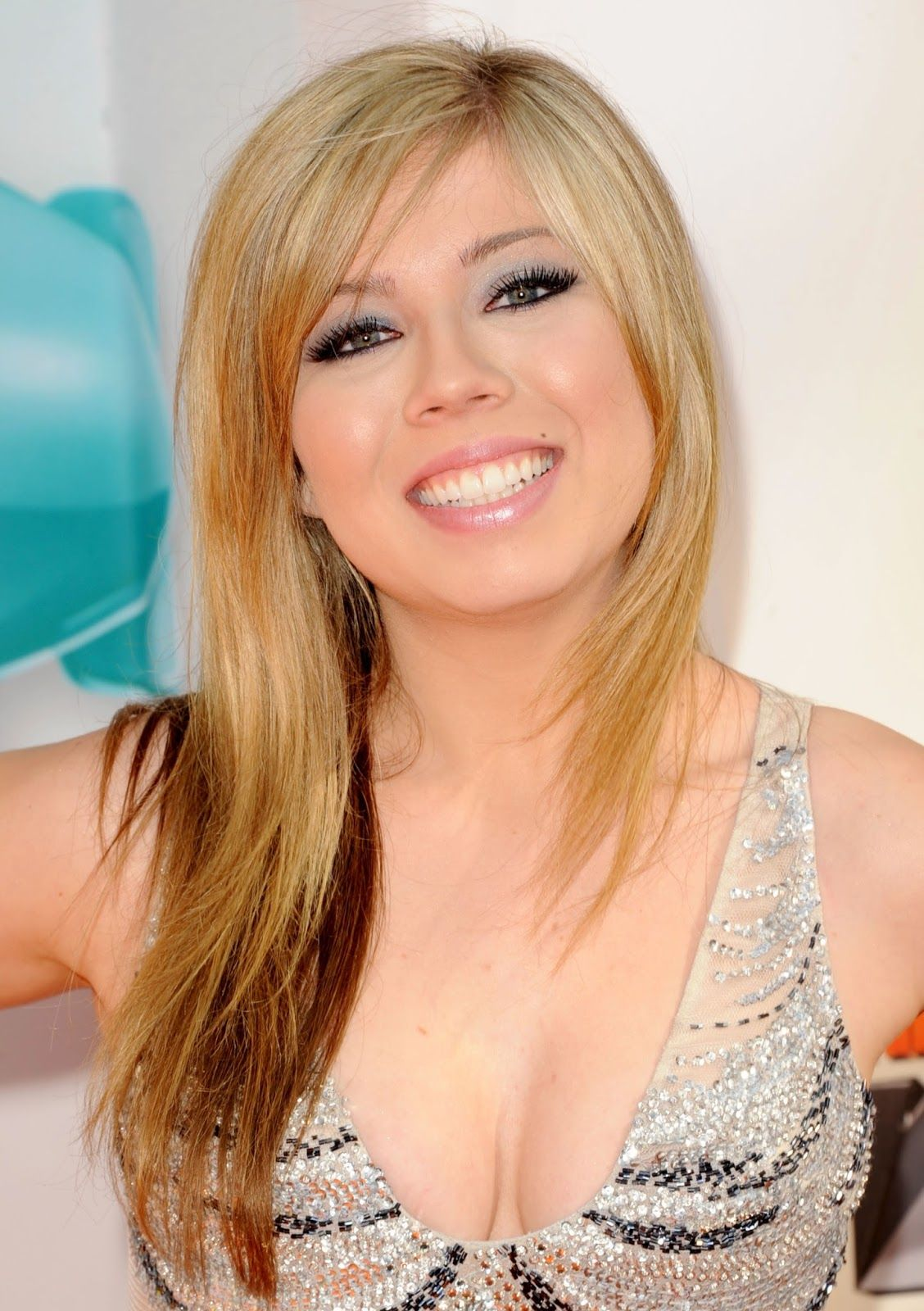 Boobs Cleavage Jennette McCurdy naked photo 2017