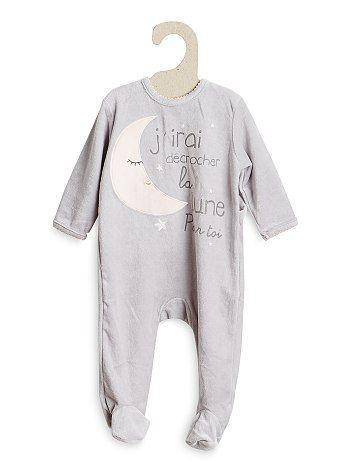 Pyjama en velours Bébé fille 10,00€ Pyjama On n'hésite pas à offrir à bébé le meilleur du confort avec ce pyjama en velours, tellement doux et tellement chou ! - Pyjam