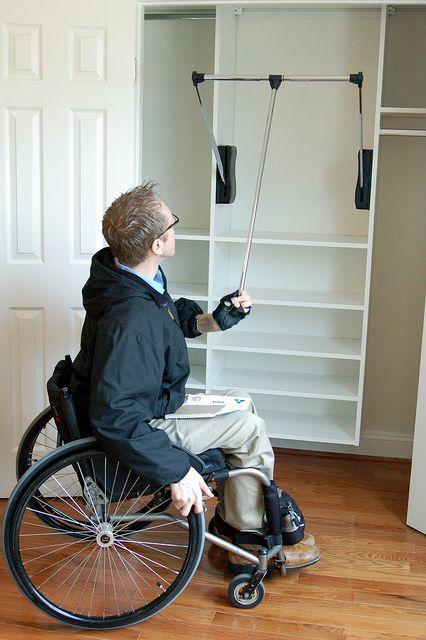 accessible closet handicap pinterest maison am nagement et logement. Black Bedroom Furniture Sets. Home Design Ideas