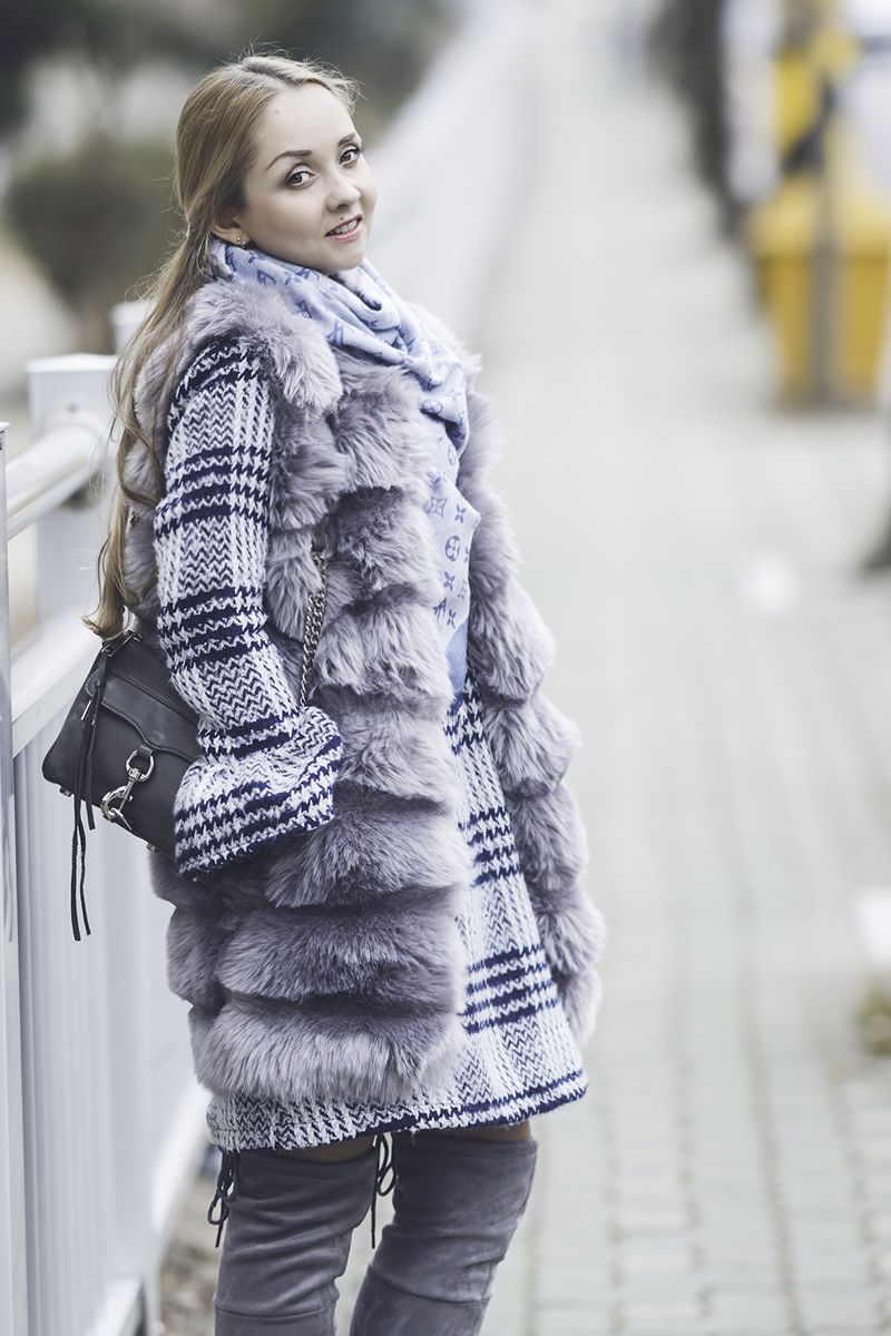 aa3fbb3f9e2 Olga Choi myblondegal fashion blogger South Korea Ольга Цой стилист байер  Styled Moscow Москва Romwe faux fur vest wool dress coat rebecca minkoff  mab bag ...