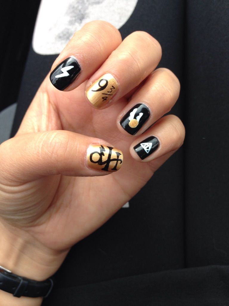 I thought you ladies might enjoy my latest manicure. | Harry potter ...