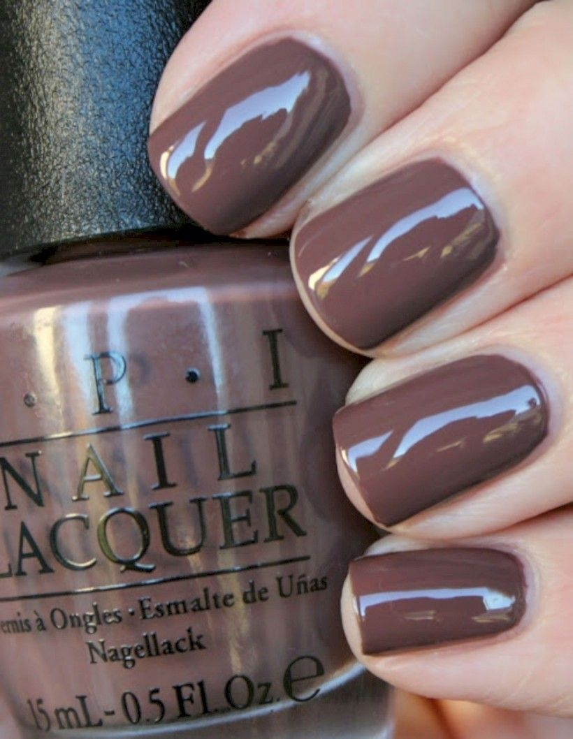 36 Neutral Nail Colors that Pair With Any Outfit