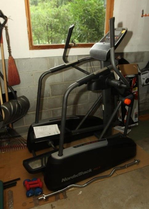 NordicTrack elliptical machine with adjustable stride length and IPod Compatibility