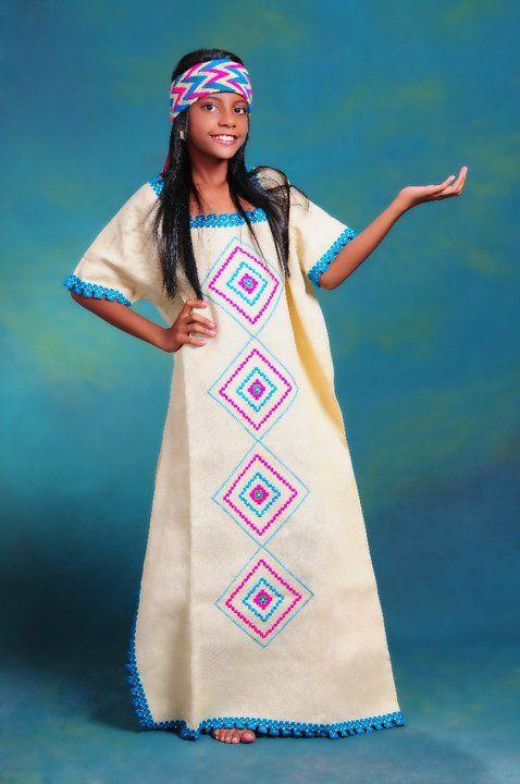 72d1fdd52 Mantas de fino bordado a mano Trajes Tipicos Del Mundo