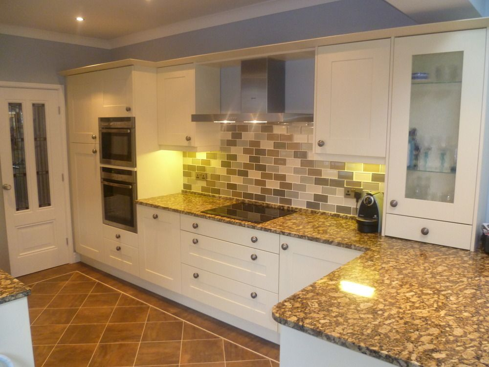 Make Your Kitchen Design Dreams Come True Read Reviews Of 1000s Of Trusted Tradesmen Across The Uk And Get Free Quotes On Mybu Kitchen Fitters Kitchen Kitchen Design
