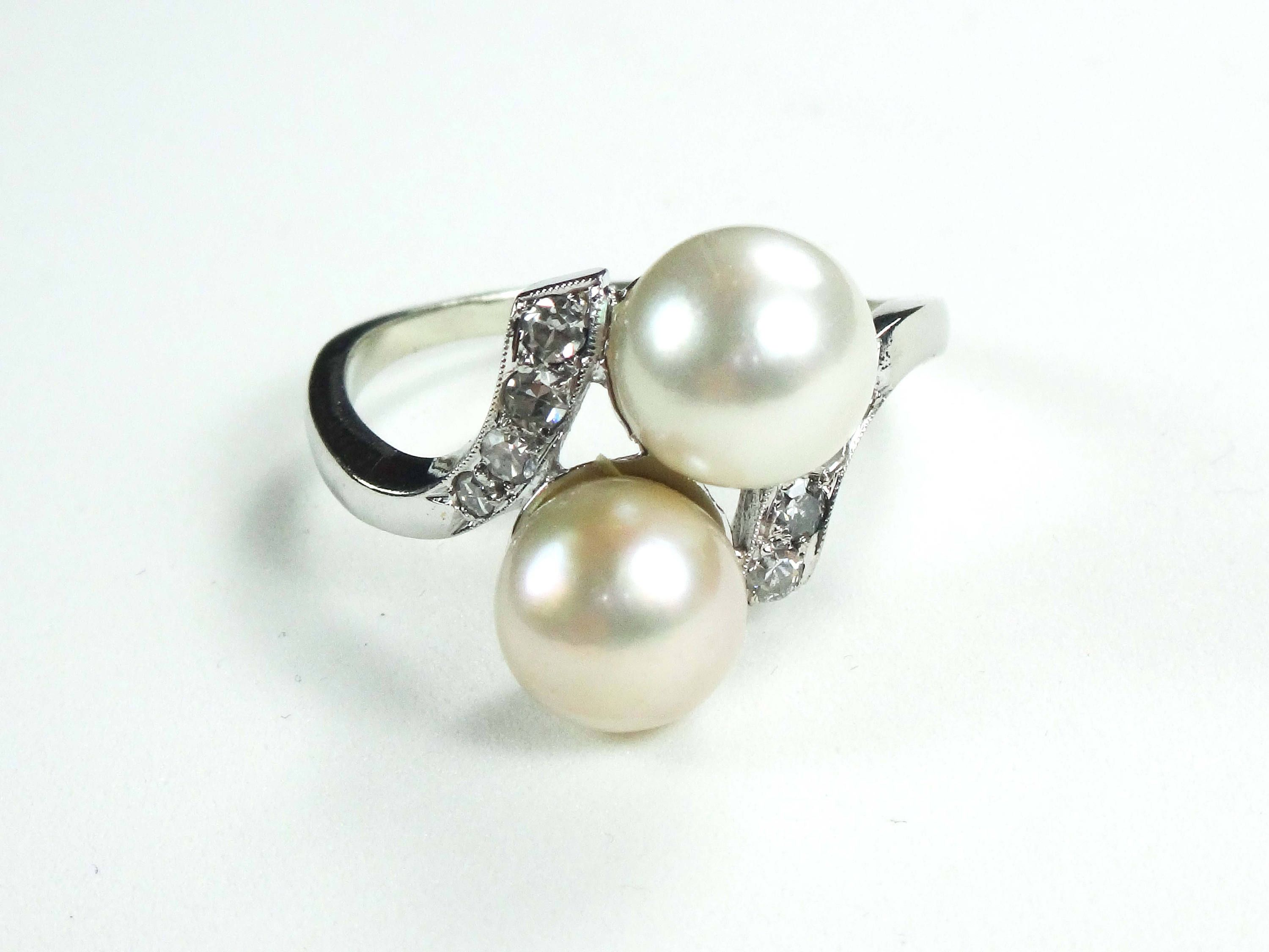 $375  Vintage 14k Cultured Pearl Diamond Ring Pearl Crossover Ring 14k  White Gold