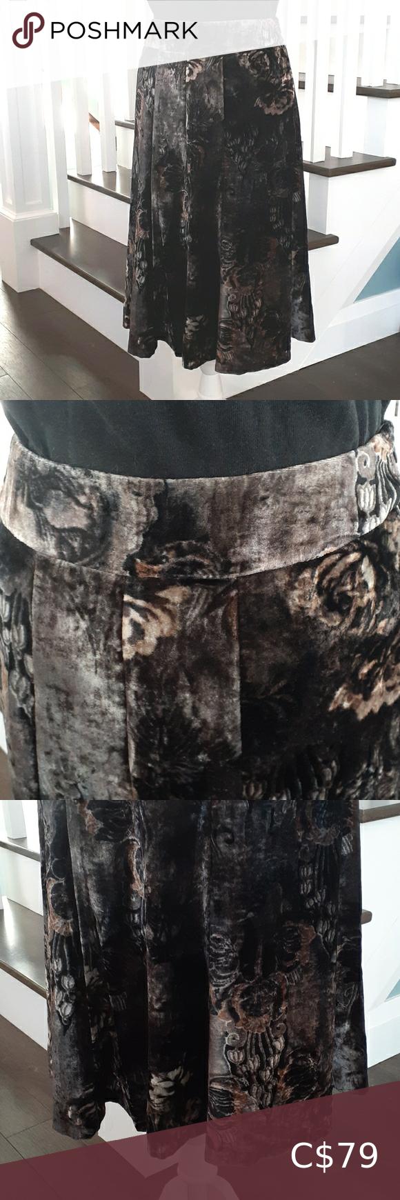 Tristan black velvet skirt with floral pattern