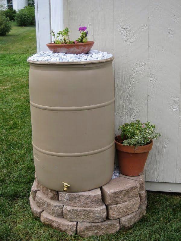 Diy make your own rain barrel green thumb for Diy small rain barrel