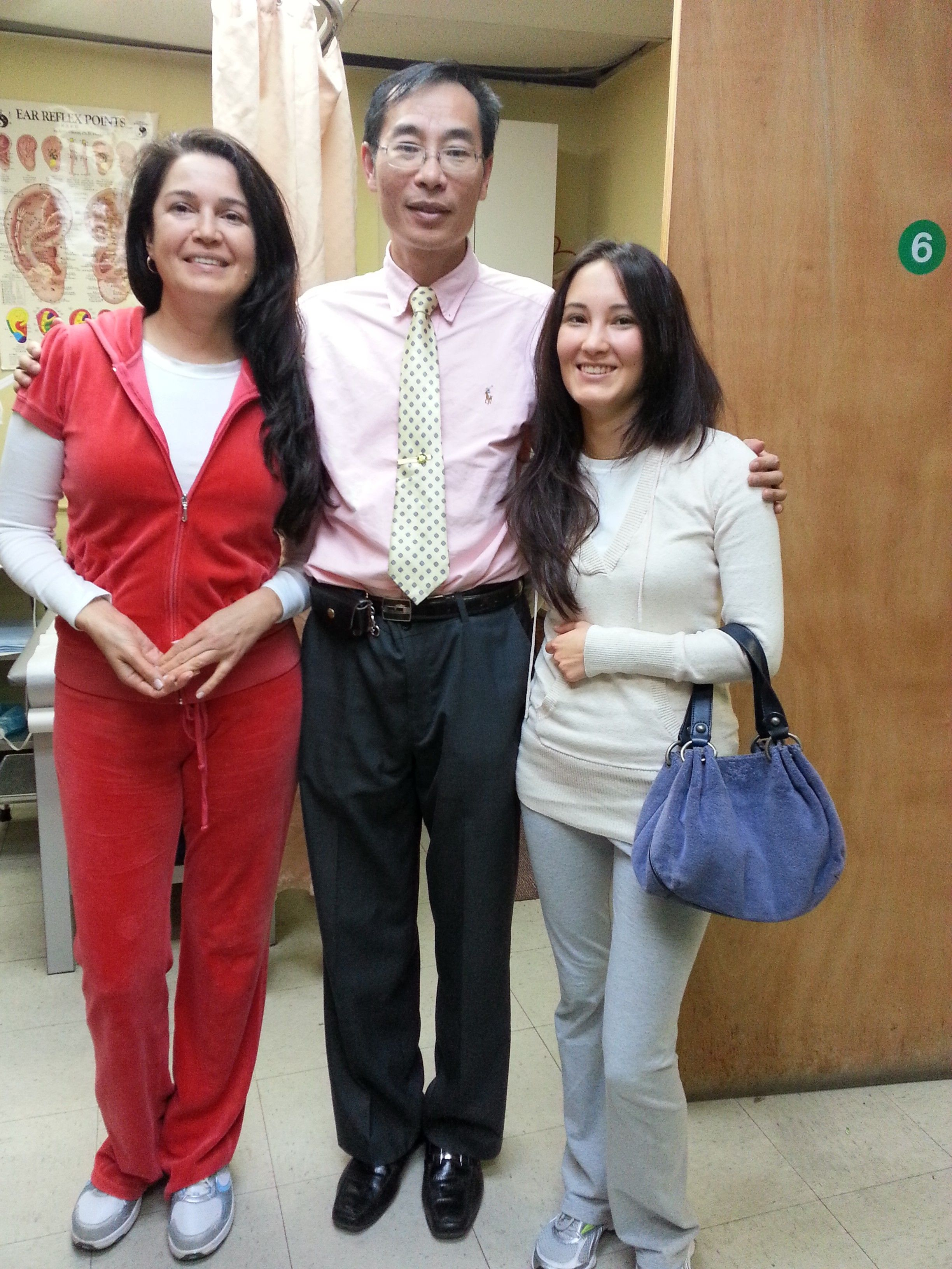 Frank zhao and his acupuncture treatment patients | Our