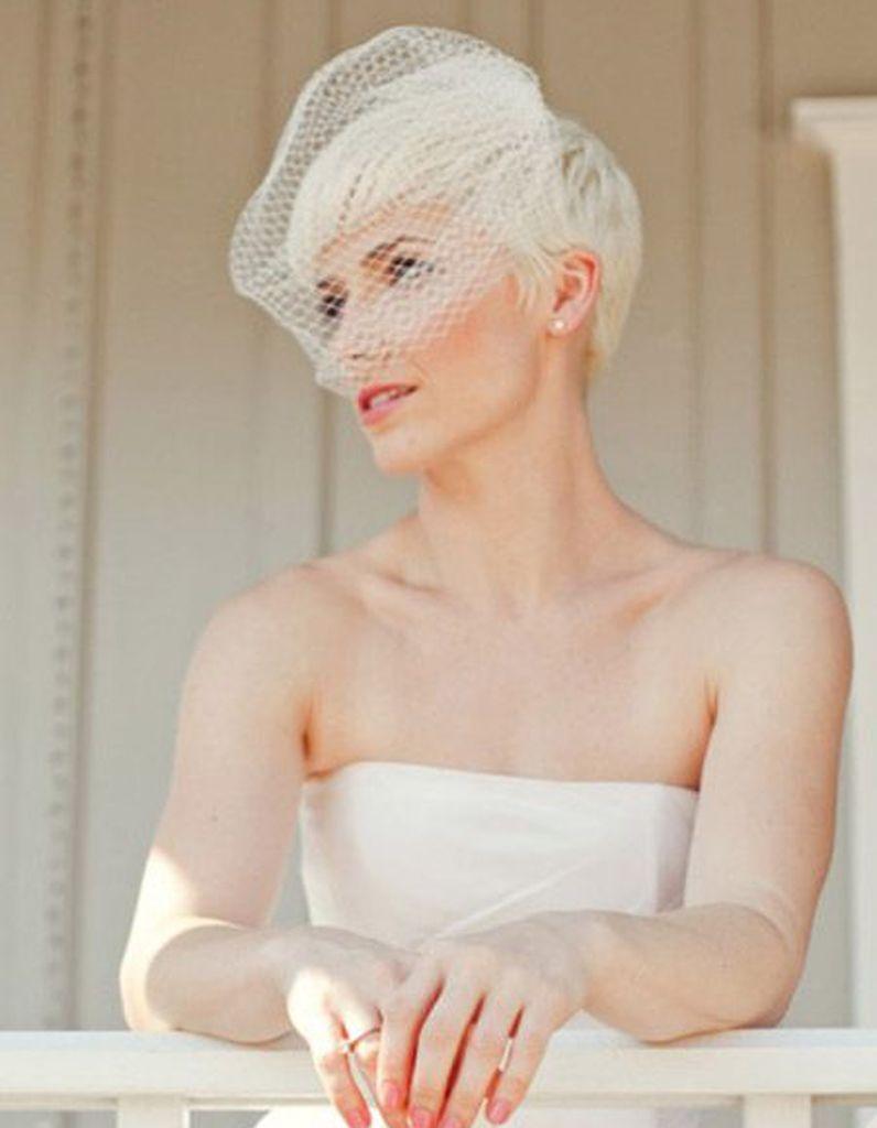 Coiffure de mariée coupe courte et voilette coiffure mariage
