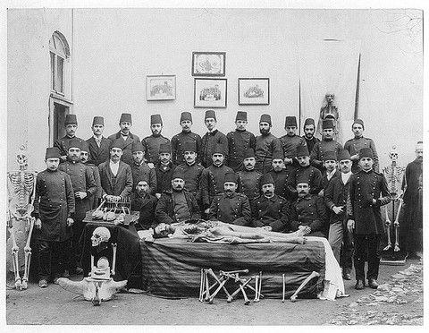 Osmanlı'da Tıbbiye Öğrencileri