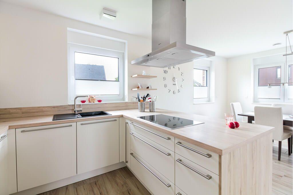Küche offen mit Kochinsel modern weiß & Holz - Einrichtungsideen ECO ...