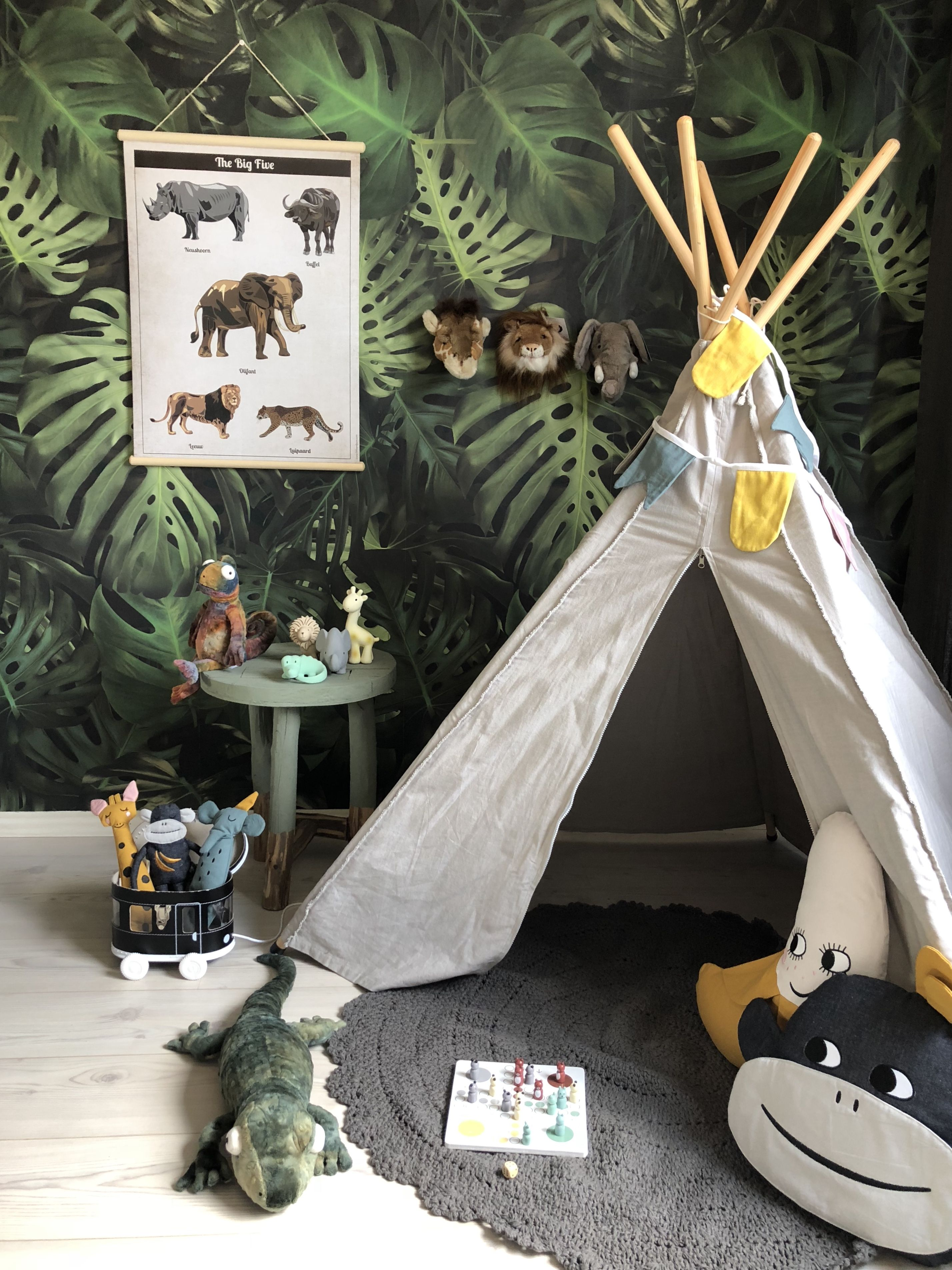 Kinderkamer speelkamer jungleroom jongenskamer Мирошка