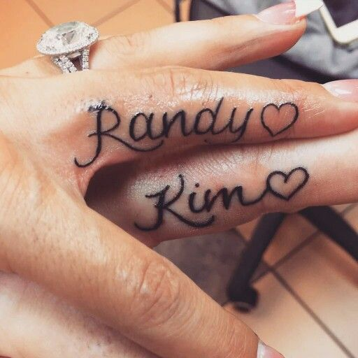 Randy Orton Kim Name Tattoo On Finger Couple Name Tattoos Ring Finger Tattoos