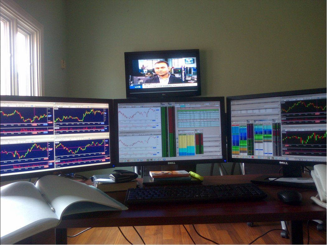 A Day Trader S Set Up Trading Desk Day Trading Forex Trading
