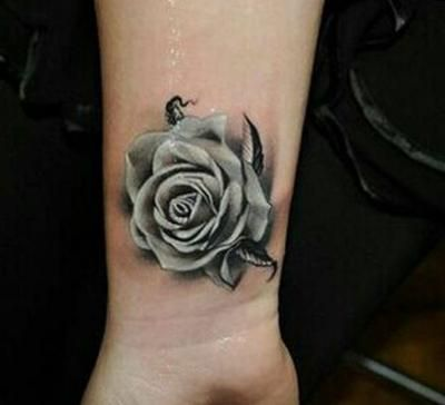 Rosa Marchita Tatuaje Rose Tattoos On Wrist Cool Wrist Tattoos Tattoos For Women Flowers