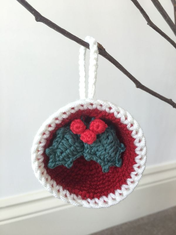 Christmas Bauble Ornaments, Gift & Holly crochet pattern by Laura ...