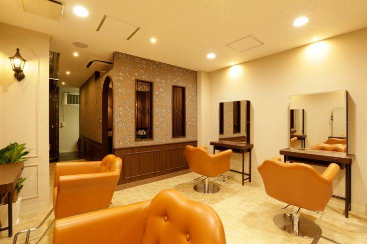 Beauty salon interior design ideas | + chairs + mirrors + space + decor + Japan + designs | Follow us on https://www.facebook.com/TracksGroup <<<【halreセットエリア】 美容室 内装