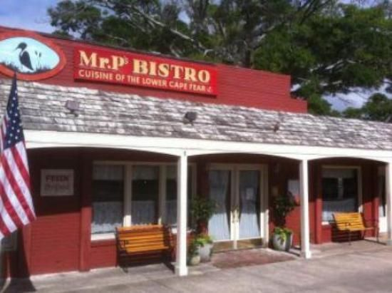 Mr p 39 s bistro a must stop at southport underground for Carolina fish fry wilmington nc
