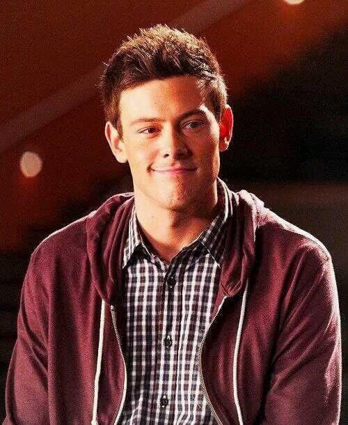 Most beautiful half smirk | Cory monteith, Finn glee, Glee