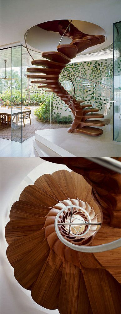 Wirbelsäule eines Hauses,...wunderschöne Holztreppe.