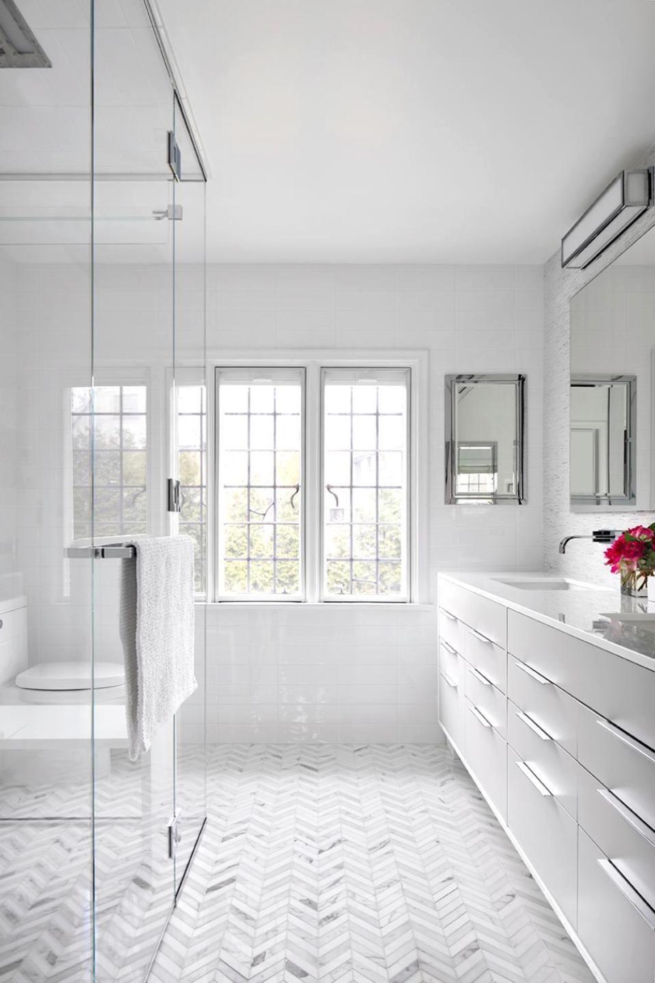 11 Bright White Bathrooms   Design Ideas / Inspiration   Pinterest ...