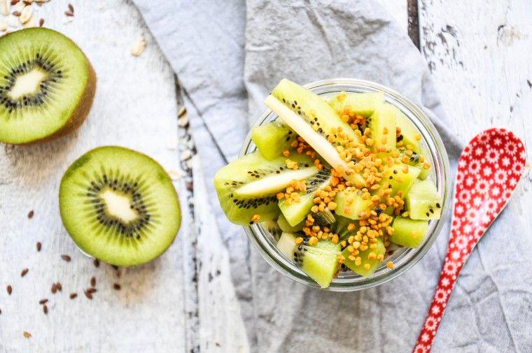 Feel good Kokos-Kiwi-Oats • Tiny Spoon | Ernährung, Kokos