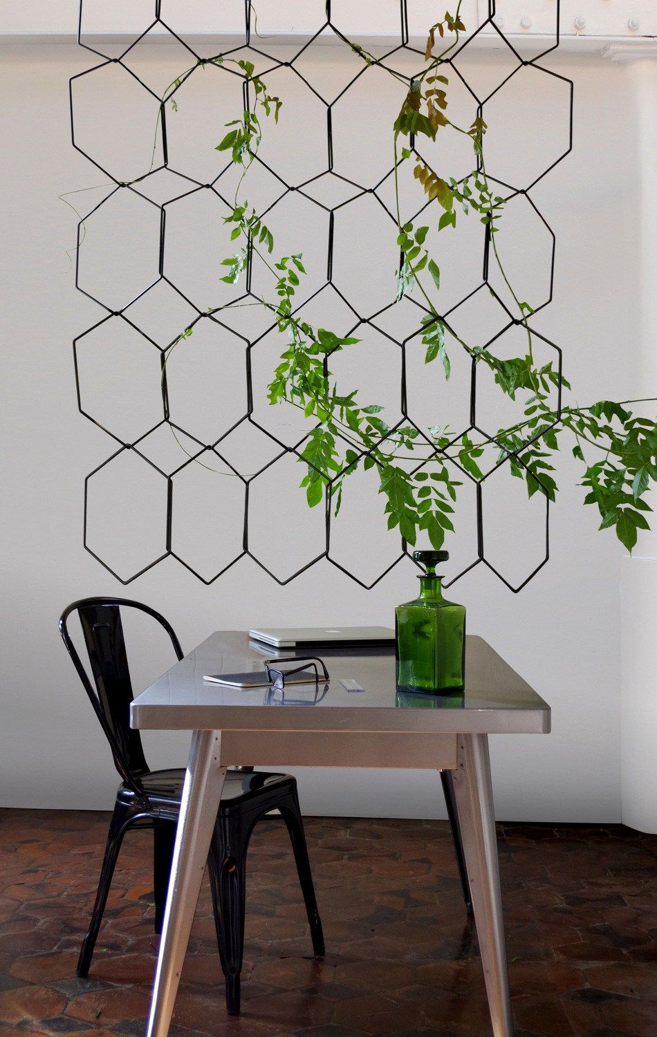 Anno indoor metals and small spaces