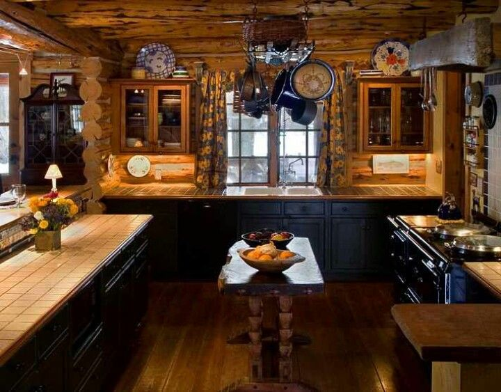 Log Cabin Kitchen Kind Of Like The Black Cabinets Would Look Really Good With Some Black Or Rustic Cabin Kitchen Decor Cabin Kitchen Decor Log Cabin Kitchens