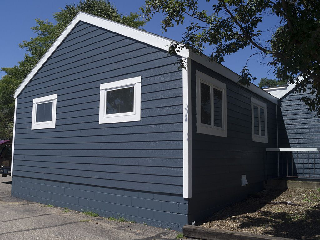 Lp Smartside Cedar Lap Siding In Lx Pro Nightview White Trim Factory Prefinish In 2020 Cedar Lap Siding Lap Siding Building Materials