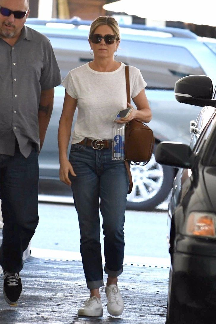 Kim kardashian flannel shirt  Youuve Seen Jennifer Aniston in This Outfit Before u but Have You