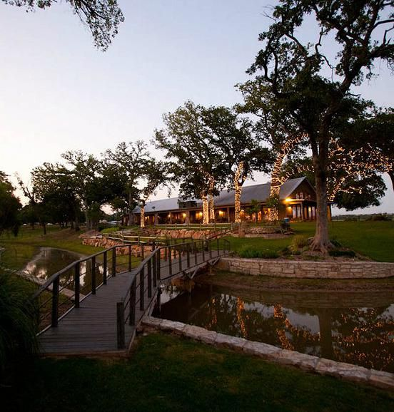 Oak Water Ranch Wedding Venue Located On Southwest Of Fort Worth Texas In Granbury