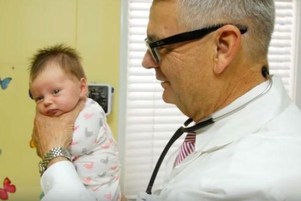 Técnica impressionante para fazer o bebê parar de chorar  774e4d5776c