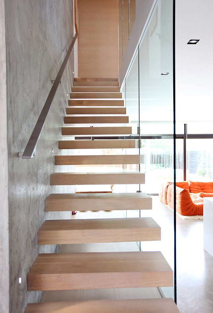 Best Floating Staircase With Glass Box Surrounding It Pinned 400 x 300