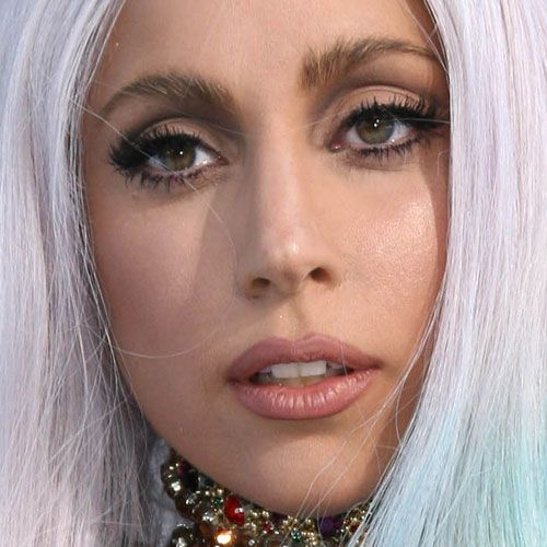 Lady Gagas 2010 MTV VMAs Red Carpet Makeup