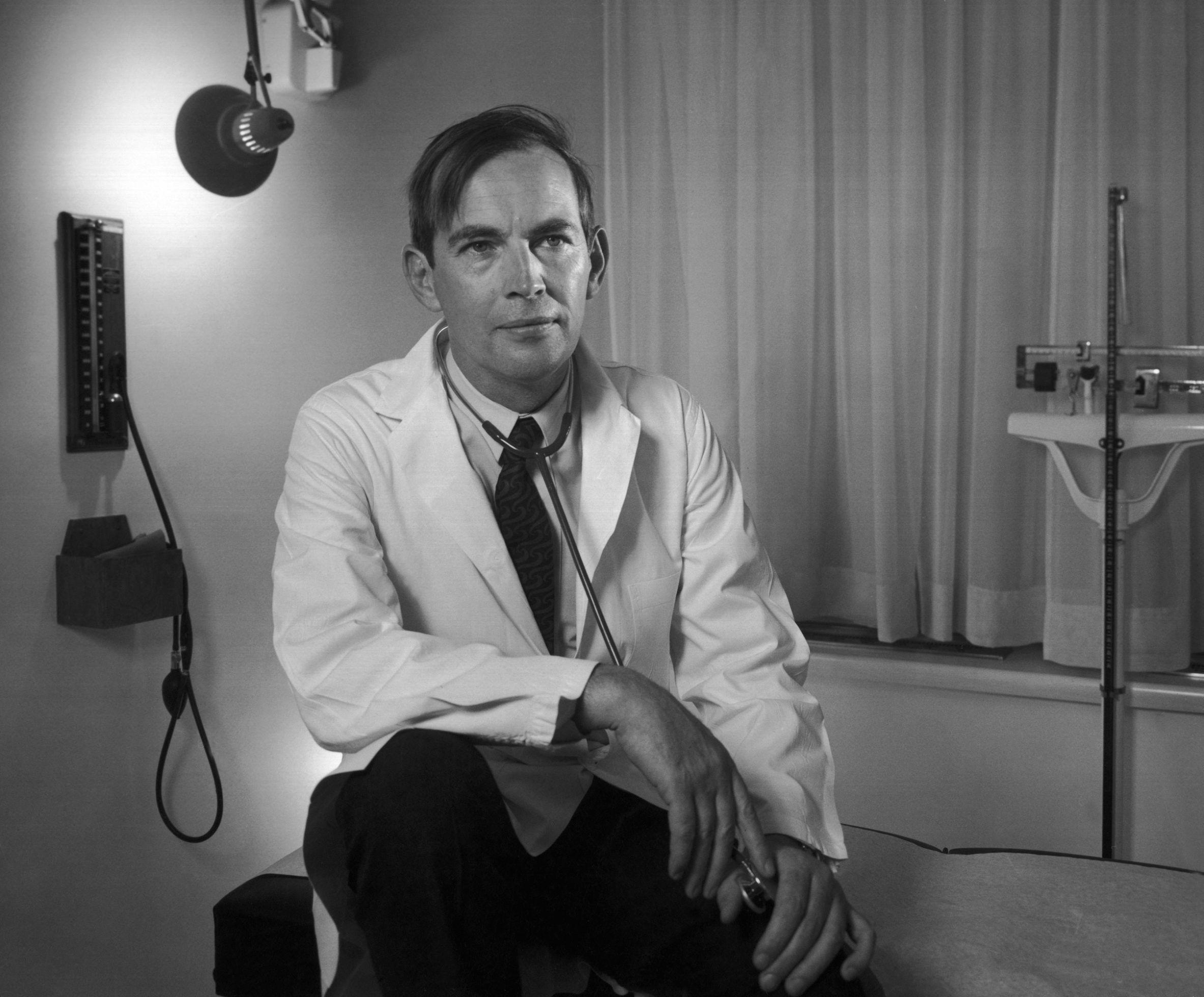 Christiaan Barnard 1969 Yousuf Karsh Christiaan Barnard Barnard First Heart Transplant