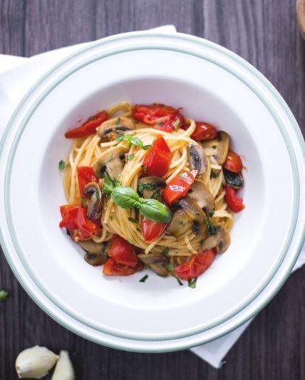 Photo of Spaghetti with cherry tomatoes and champignons-Spaghetti ai …
