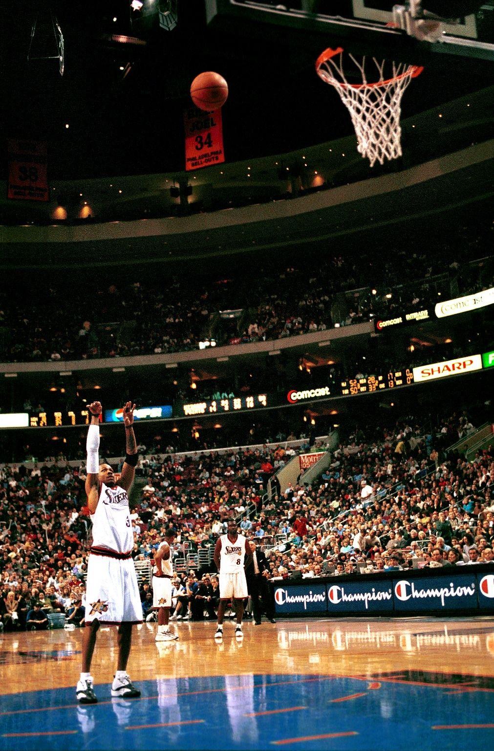 Épinglé par Dewayne Kelly sur Sports Basketteur, Arrière