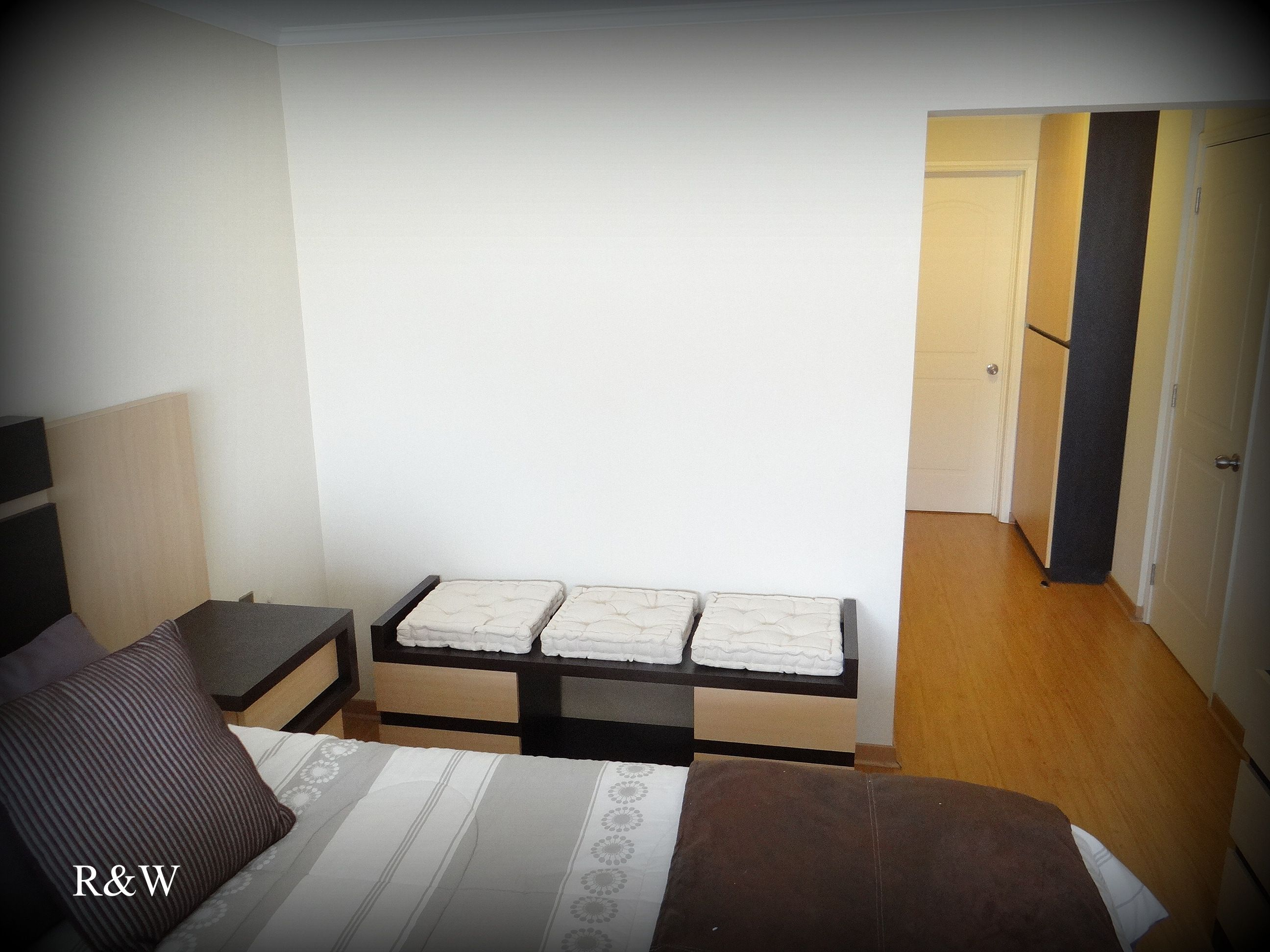 Imagen panor mica de los muebles para dormitorio 1 respaldo cama 2 velador con panel 3 - Cajonera para dormitorio ...