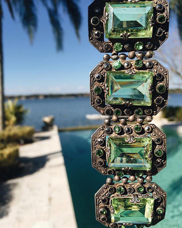 Blue skies & emerald dreams // #greenwithenvy