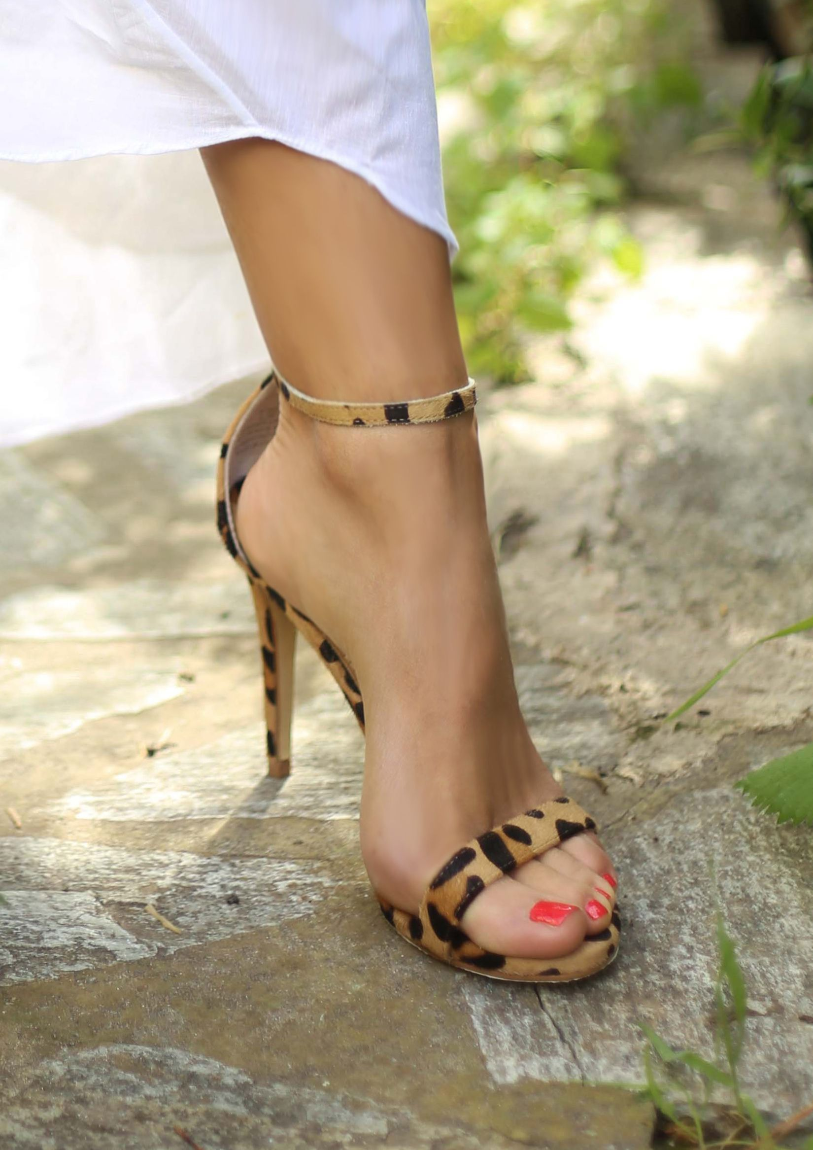 ca61ed99d She has nice toenails. Worn by Maria Iliaki. Toenails, Fashion Addict, Shoes