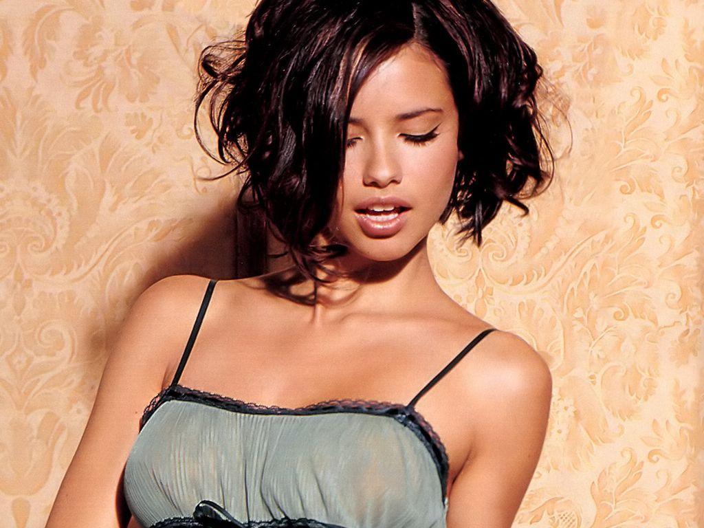 Adriana lima hairstyles 2014 - Adriana Lima