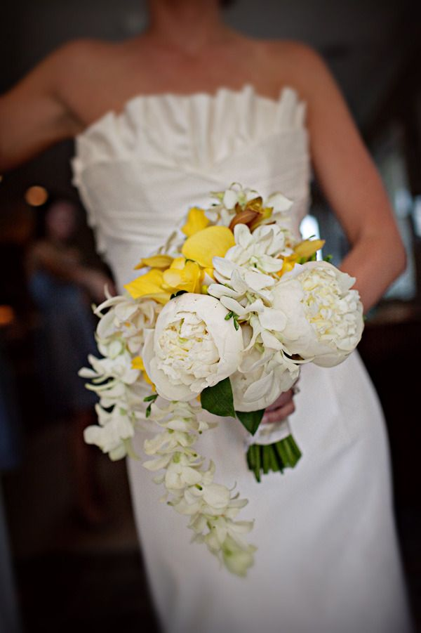 looooooove this bouquet!! Photography by pure7studios.com, Flowers by eventsbynouveauflowers.com/