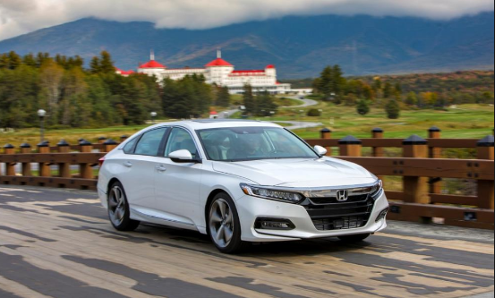 2019 Honda Accord Colors Specs Price The Base Lx Has A Ton Of Features For The Cash And The Sport S Distinctive Exterior Styl Honda Accord New Honda Honda