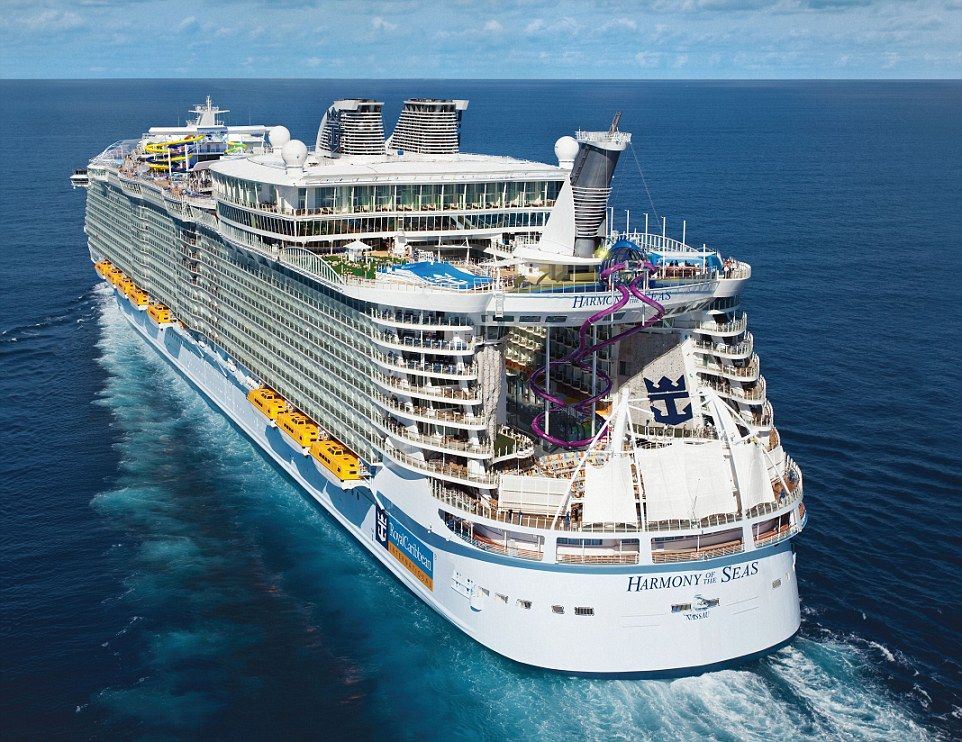 Worlds Largest Cruise Ship Leaves Port For The First Time - Big cruise ship
