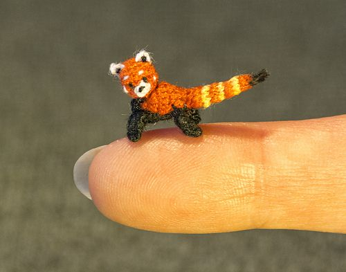 Based on the micro mini red panda by SuAmi. | Micro-crochet | Pinterest