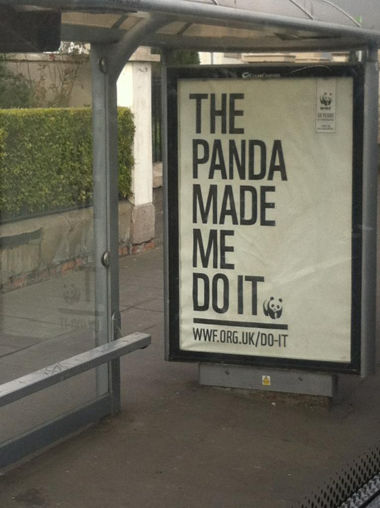 Miksei Suomen bussipysäkeillä näy tällaisia mainoksia? #wwf