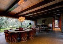 En Talpalpa, el arquitecto Andrés Escobar concibió una residencia en medio del bosque cuya composición se mimetiza con el entorno.