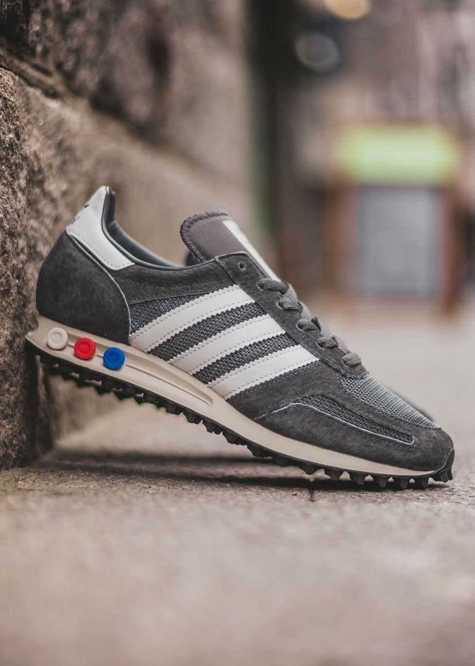adidas Originals LA Trainer OG: Grey